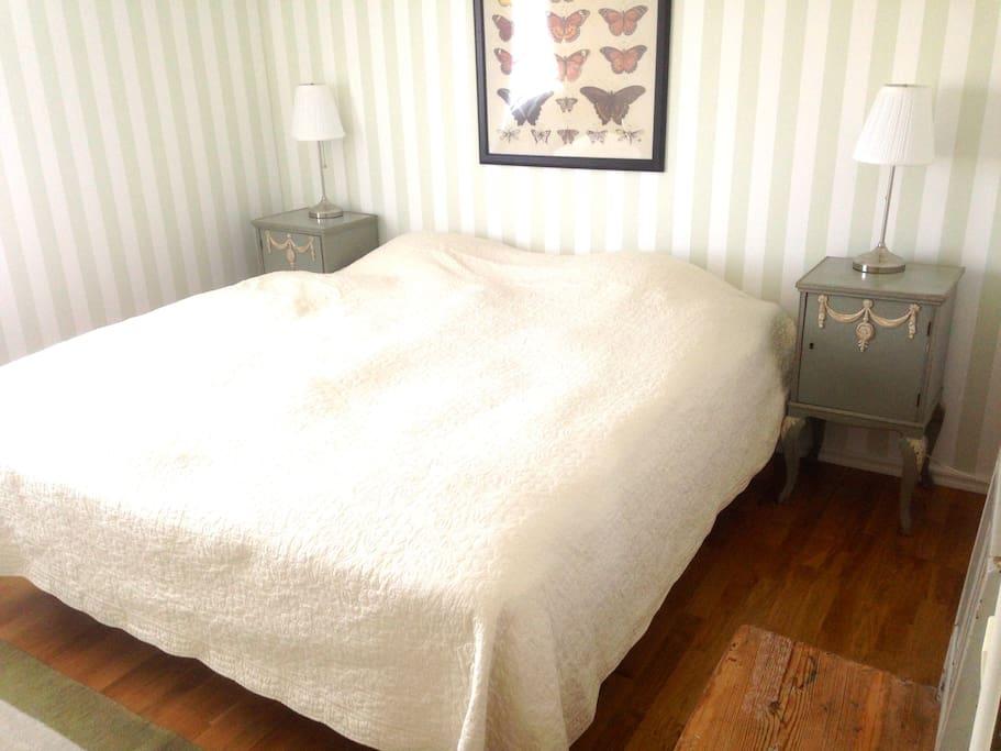 Stora sovrummet/Master bedroom