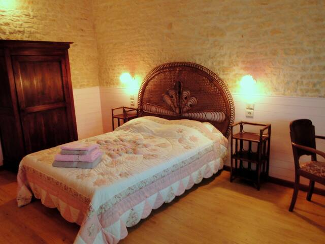 La Charmentaise Chambre Romantique - Andilly - Bed & Breakfast