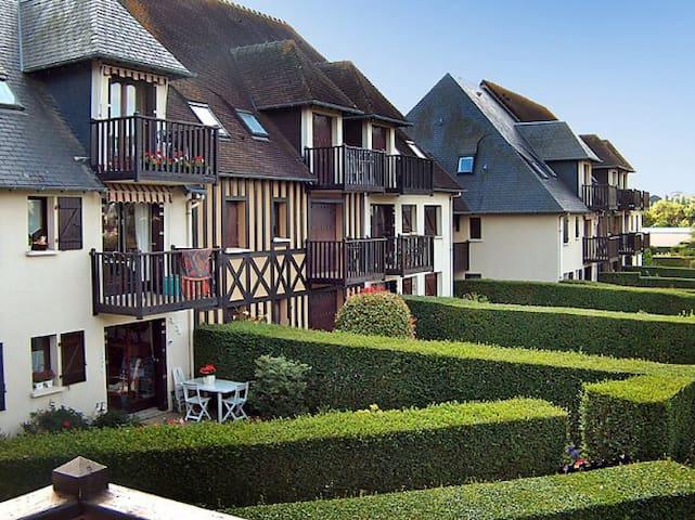 3p cottage 7 pers jardin 300m plage cabourg r nov for Jardin 3p