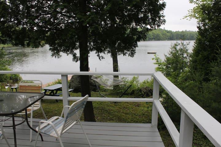 lakeside cottage mid-coast Maine