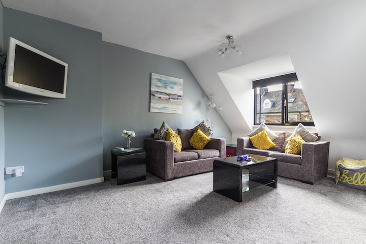Spacious Modern 2 Bed Loft Apt Newcastle Sleeps 5