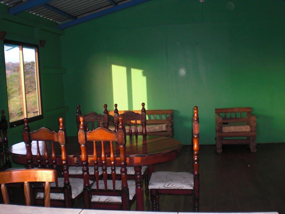 Bamar Cabin Familiar
