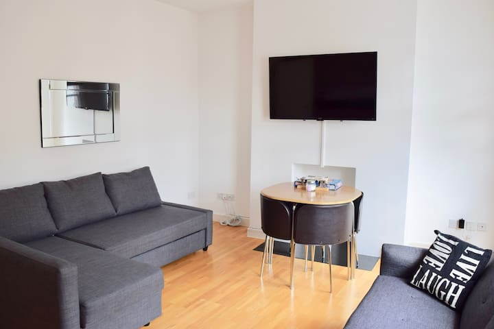 Gorgeous Apartment in Hampstead, London (DH8 II)