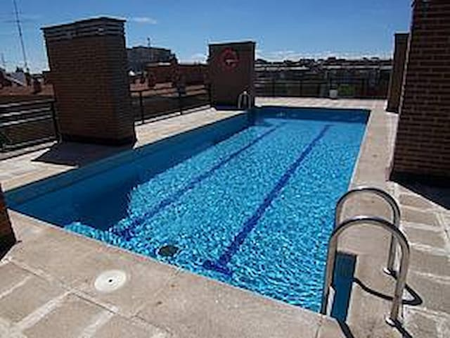 Studio -40 m2- MADRID RÍO- 3 PAX- POOL