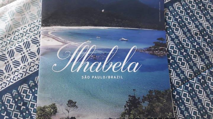 Ilhabela, apto aconchegante com  vista para o mar