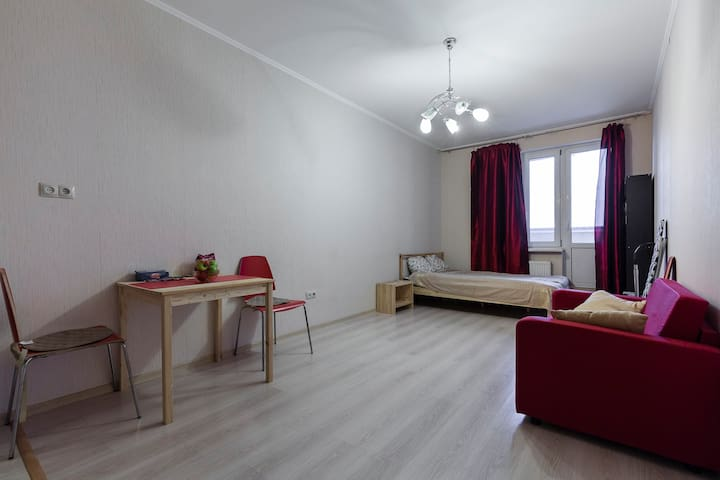 Studio apartment near to metro station - Sankt-Peterburg - Departamento