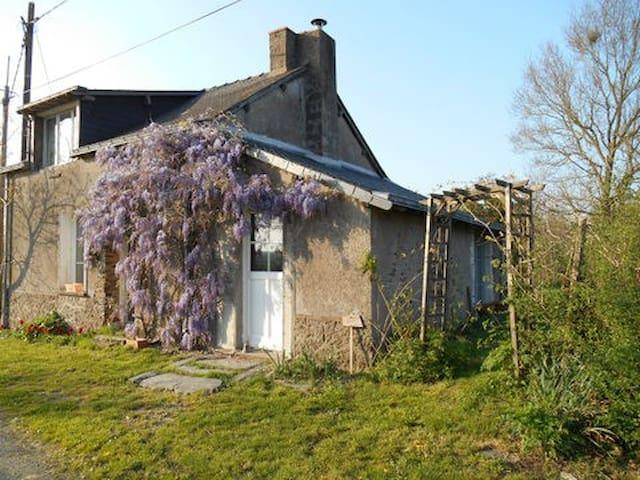 jolie maison à la campagne - riaillé - Hus