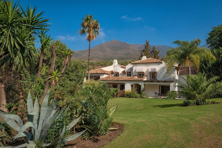 Plush Villa in Casares with 2 Pvt. Heated Pool, Sauna & Jacuzzi