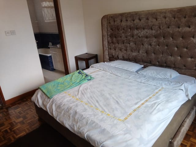 Comfy master room apartment in Kilimani, near Yaya