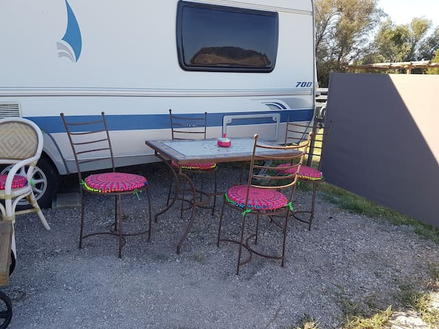 La caravane en mode gipsy camping cars caravanes - Location camping car salon de provence ...