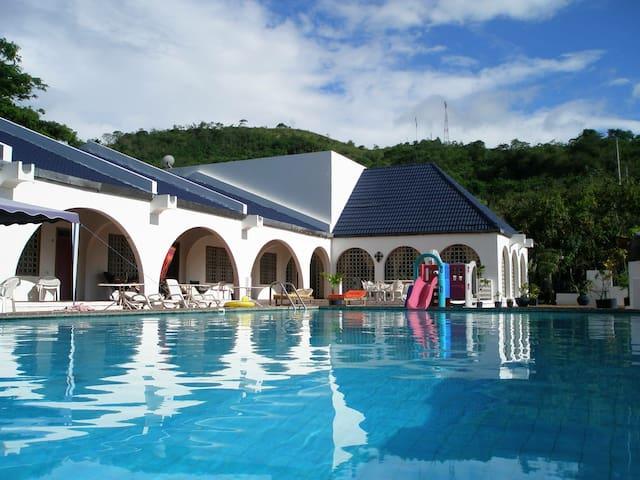 Departamento dentro de Casa Guayasamín - Atacames Canton - Villa