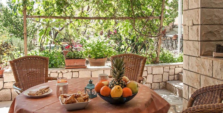 Studio near the beach - Trogir