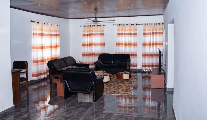 Luxurious New York-style Loft near West Hills Mall