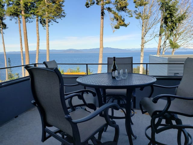 Casa Coastal Ocean Views