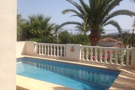 Villa + piscine à 500m de la mer - Benissa