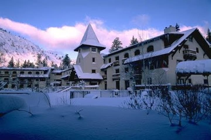 Cozy 2br Ski Condo at the Olympic  Village Inn