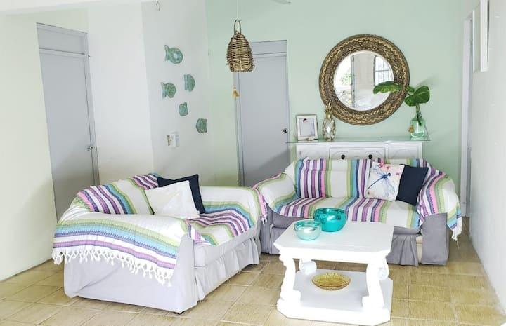 Amplia habitación cerca de la playa Z. Romántica