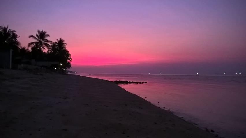 Breeze Beach Bungalow