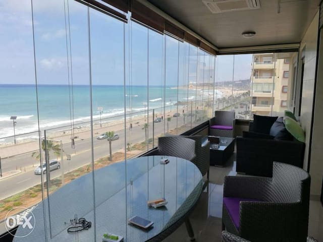 Attractive luxurious sea view furnished apartment