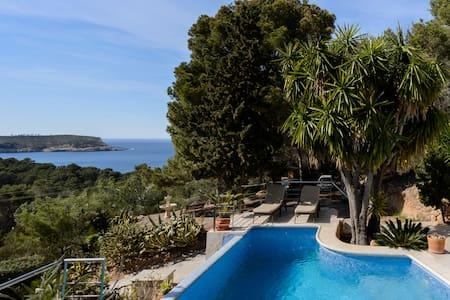 Casa Floresta 3 minutes walk to sea - Ibiza