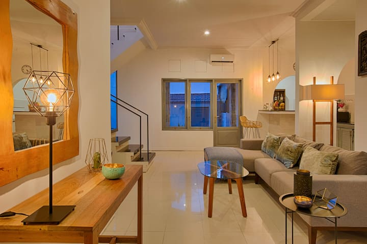 Stylish and Homey 2BR House near SEMINYAK&CANGGU