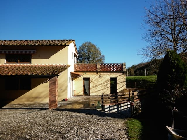 A peaceful barn close to Florence - Scarperia e San Piero - Hus