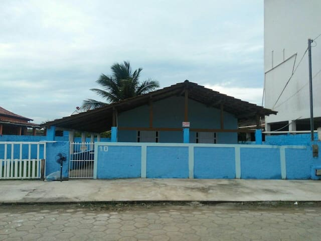 Casa em Prado próximo a praia com dois quartos