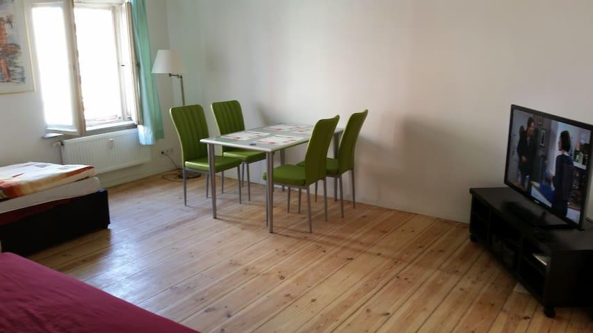 Wohnen auf Zeit Min. 2 Monate  - Berlin - Apartment
