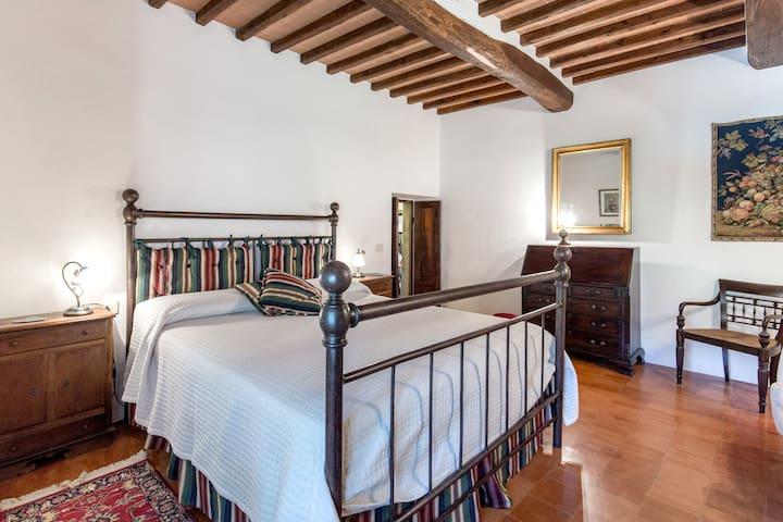 Villa Le Miccine with Pool for 4 - Gaiole In Chianti - บ้าน