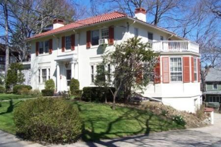 Mediterranean style villa in lower Westchester - Йонкерс - Дом