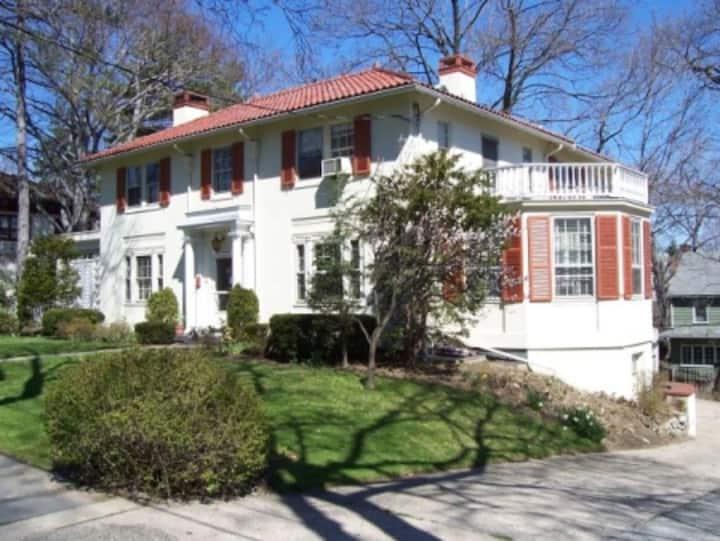 Mediterranean style villa in lower Westchester