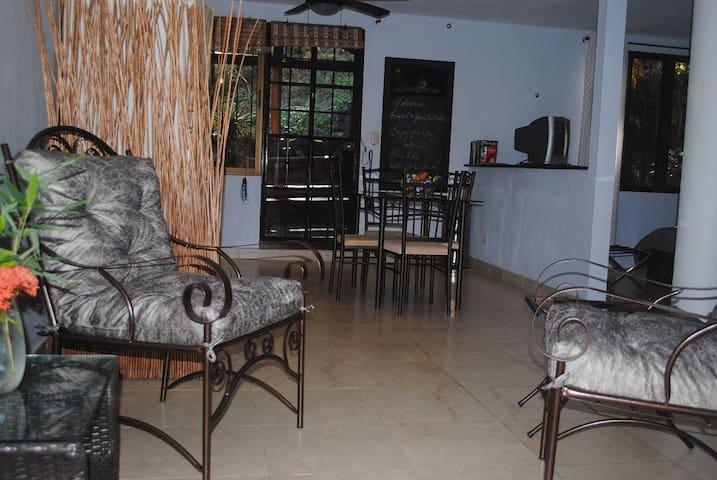 Condo no. 1 close to Playa Hermosa beach - Playa Hermosa - Dom
