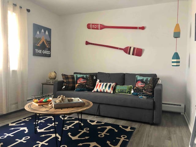 Happy Camper - Downtown Oak Park, 1BR