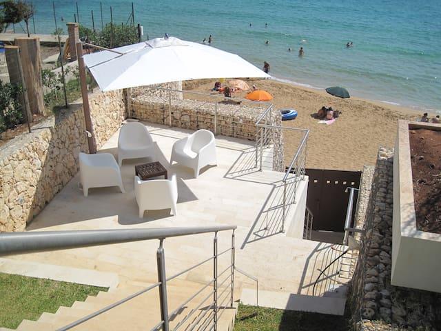 Villa inmidst own park at the beach - Avola  - Maison