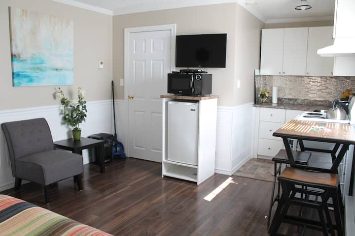 Studio Apartment - Downtown Corner Brook