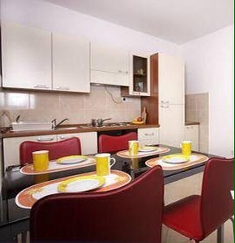Mario 1 modern ap for 5 people - Novalja - Apartamento