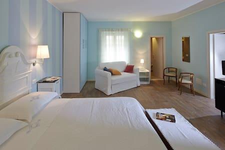 La vecchia latteria - Stanza Mauro - Gardone Riviera - Bed & Breakfast