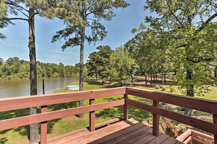 NEW! Lakefront Toledo Bend Cabin w/ Dock & Pier!