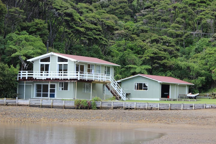 Cherry Tree Bay Holiday Home D'Urville Island - Nelson - Huis
