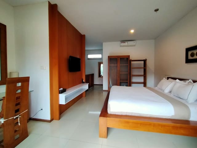 1BR loft studio long term Seminyak