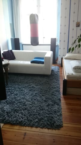Room for womens in Pankow 30 min from the city