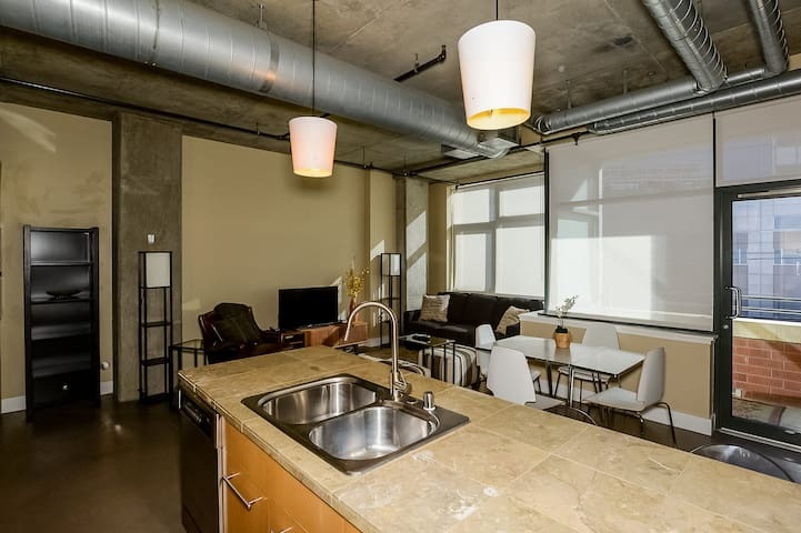 LoDo/Union Station Loft in the heart of downtown!