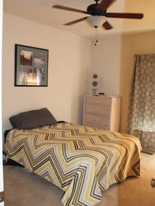 Relaxing spacious and open Condo 2-bedroom suite - Appartement en résidence