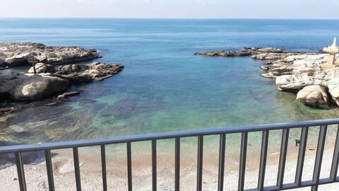 Meena Marina - Beachfront Balcony