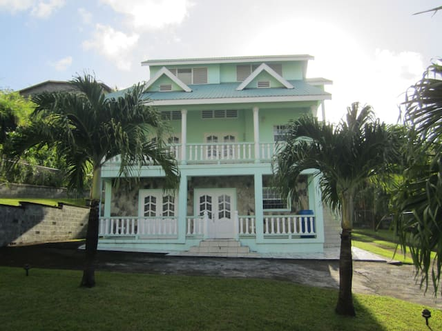 A charming dream in sea foam green - Grenadines - House
