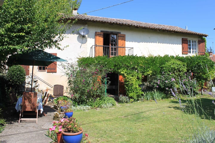 Les Galineaux, charming house with pool, Dordogne