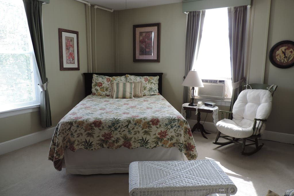 This South side room features a queen size bed, private bath, flat screen TV, WIFI, Air and a Kitchenette!