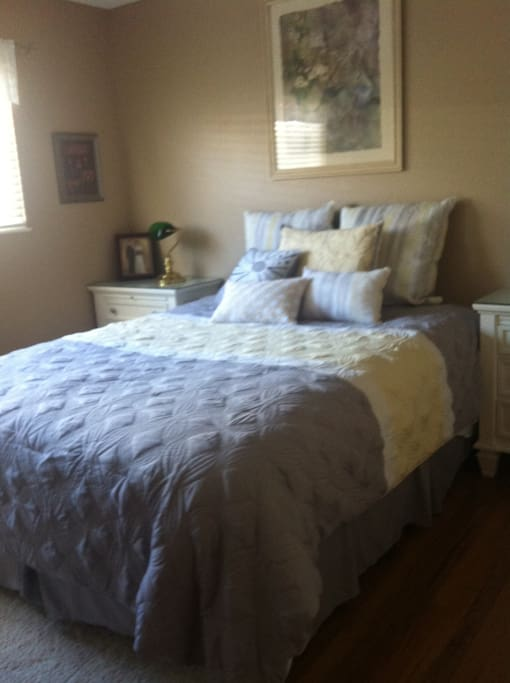 Queen bed, 2 end tables, full size dresser.