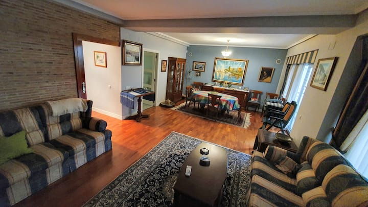 Spacious and with terrace (2-3 people)