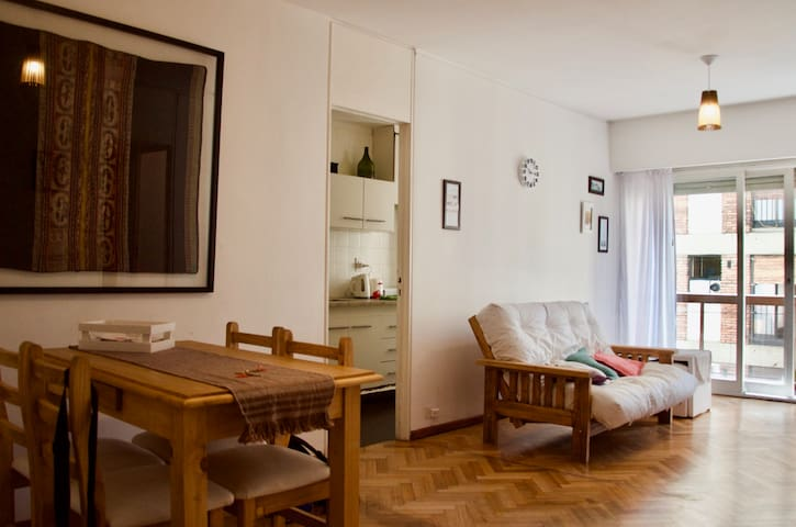 Bright! Best Location! Near Park and Obelisk! Warm